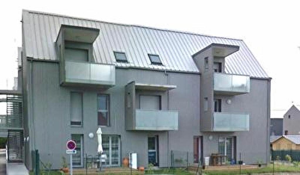 Appartement à louer 3 65.21m2 à Saint-Pierre-des-Corps vignette-1