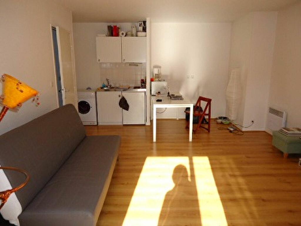 Appartement à louer 2 43.77m2 à Tours vignette-1