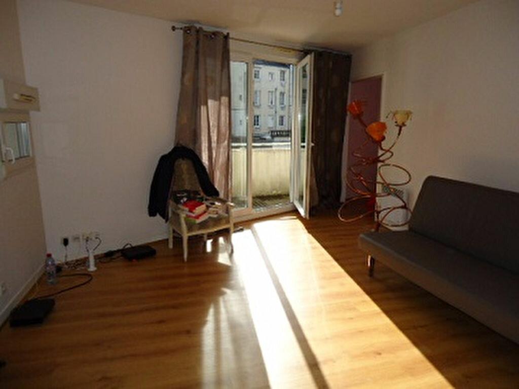 Appartement à louer 2 43.77m2 à Tours vignette-2