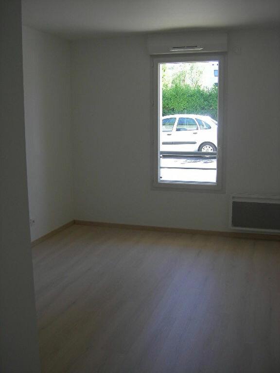 Appartement à louer 3 64.15m2 à Saint-Cyr-sur-Loire vignette-6