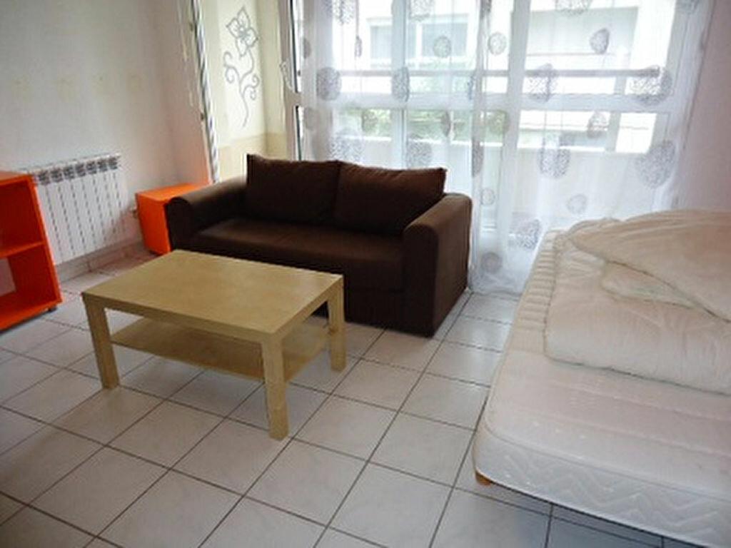 Appartement à louer 1 28.06m2 à Joué-lès-Tours vignette-1