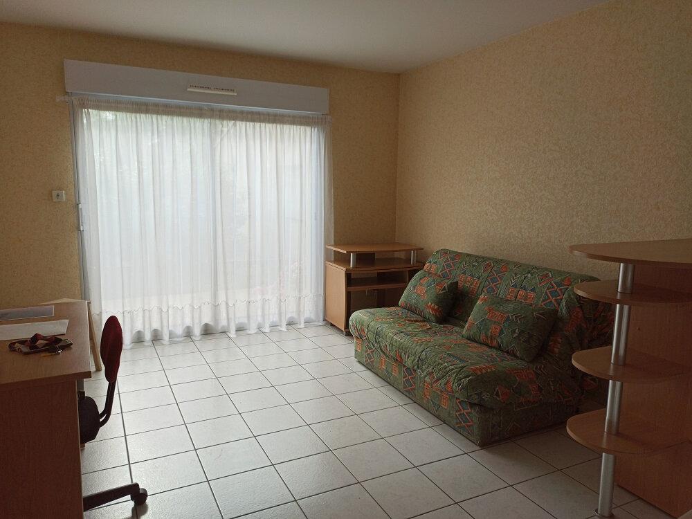 Appartement à louer 1 26m2 à Tours vignette-1