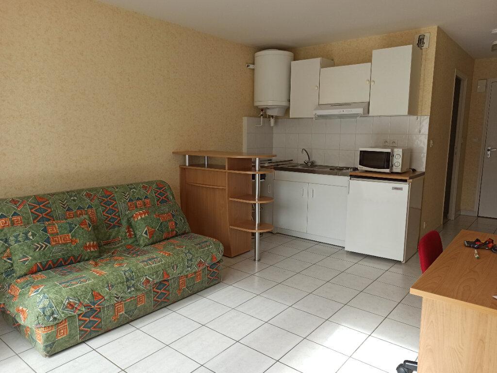 Appartement à louer 1 26m2 à Tours vignette-2