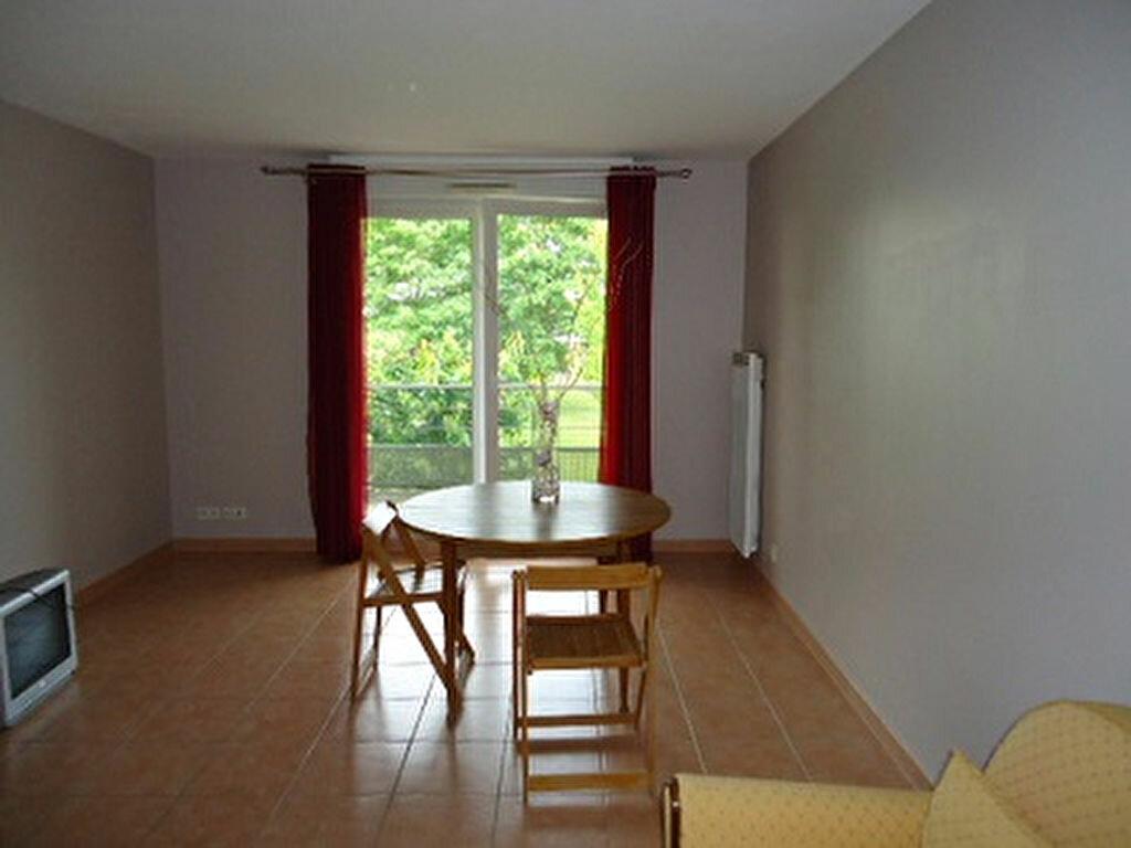 Appartement à louer 3 69.82m2 à Tours vignette-8