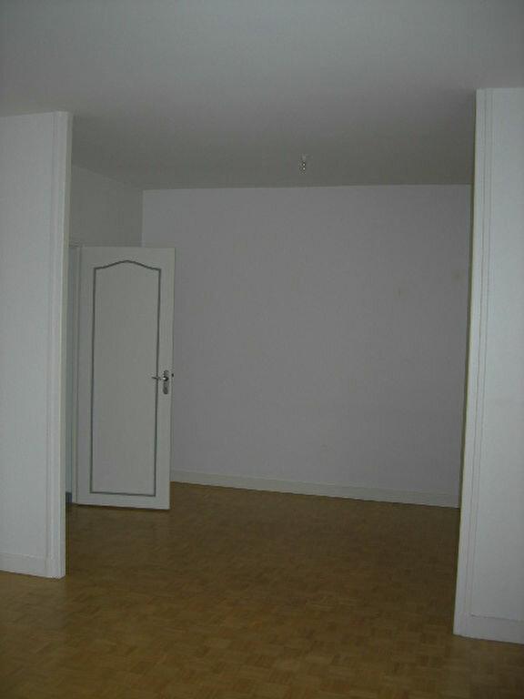 Maison à louer 5 118.78m2 à Saint-Cyr-sur-Loire vignette-6