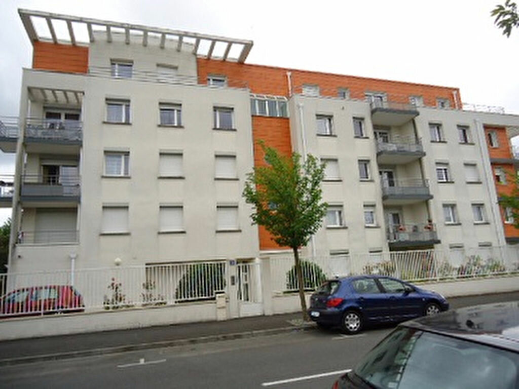 Appartement à louer 2 43.42m2 à Tours vignette-1