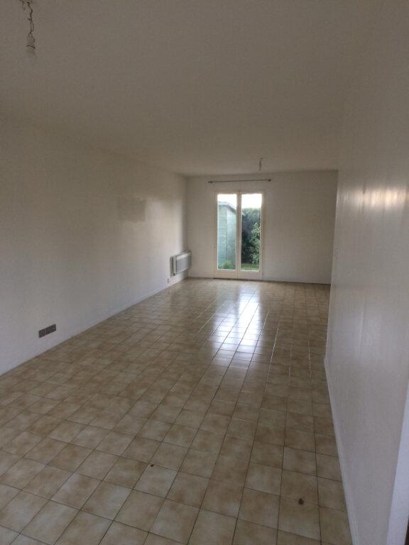 Maison à louer 7 110m2 à Chambray-lès-Tours vignette-3