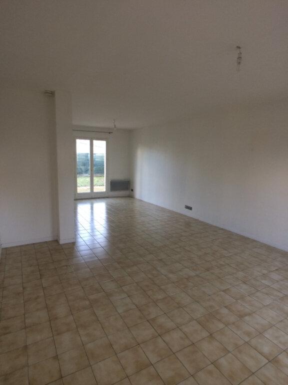 Maison à louer 7 110m2 à Chambray-lès-Tours vignette-4