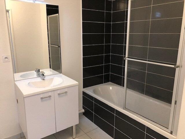 Appartement à louer 3 62.18m2 à Saint-Cyr-sur-Loire vignette-3