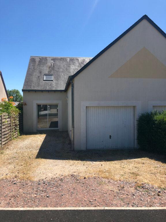 Maison à louer 3 89.61m2 à Charentilly vignette-1