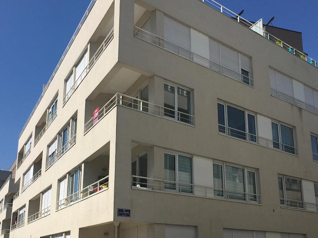 Appartement à louer 3 63.75m2 à Tours vignette-2