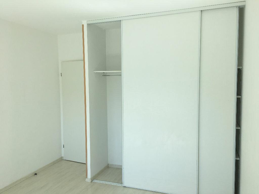 Appartement à louer 3 63.75m2 à Tours vignette-5