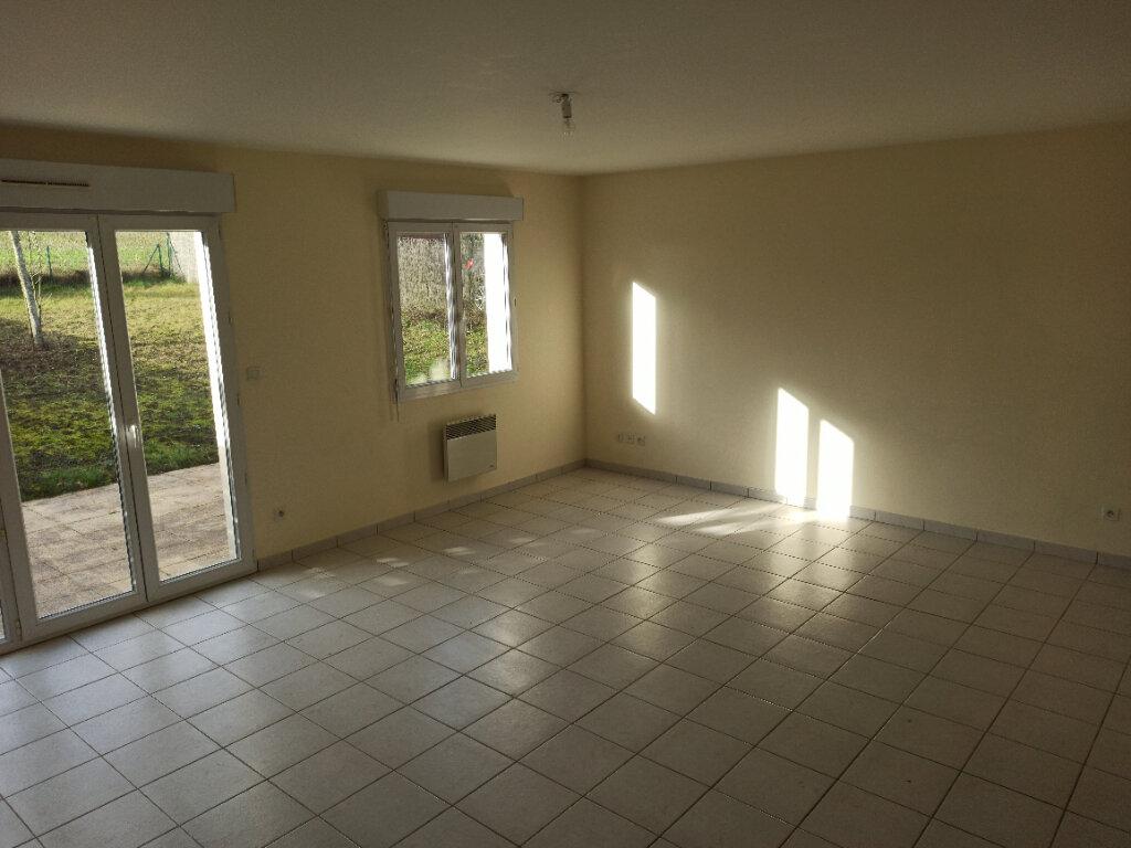 Maison à louer 4 82.01m2 à Véretz vignette-3