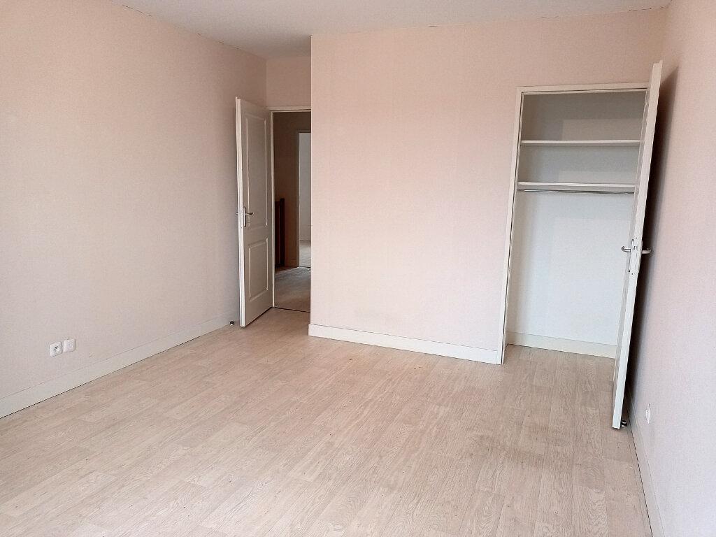 Maison à louer 5 113.4m2 à Montlouis-sur-Loire vignette-16