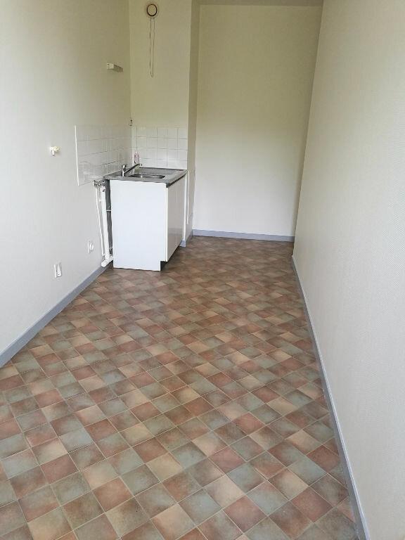 Appartement à louer 2 48.7m2 à Saint-Pierre-des-Corps vignette-2