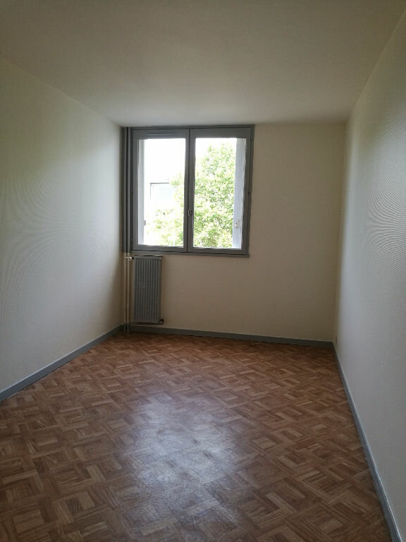 Appartement à louer 2 48.7m2 à Saint-Pierre-des-Corps vignette-4