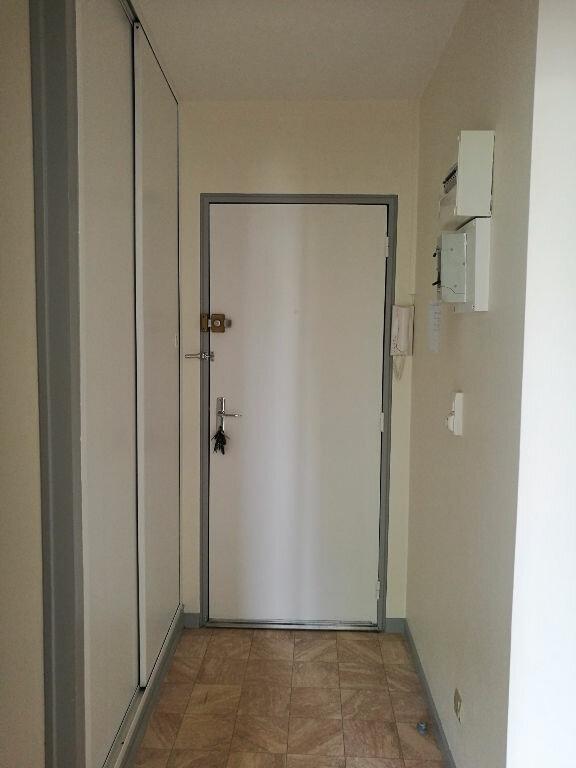 Appartement à louer 2 48.7m2 à Saint-Pierre-des-Corps vignette-7