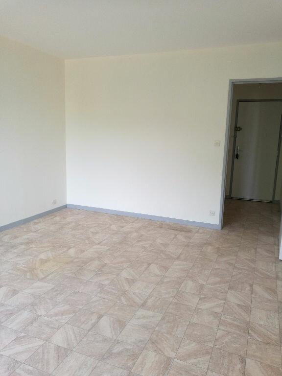 Appartement à louer 2 48.7m2 à Saint-Pierre-des-Corps vignette-9