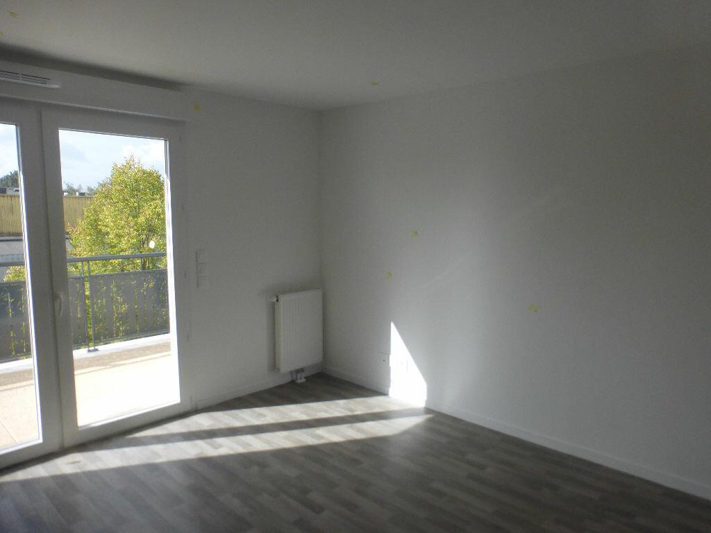 Appartement à louer 3 64.48m2 à Tours vignette-3