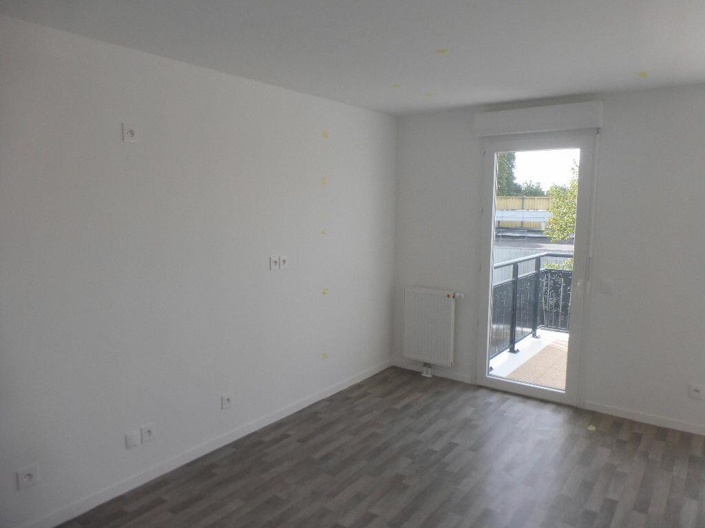 Appartement à louer 3 64.48m2 à Tours vignette-5