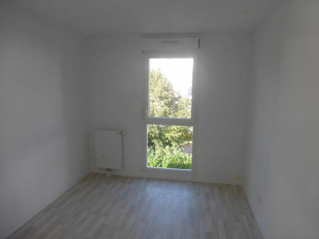 Appartement à louer 3 64.48m2 à Tours vignette-7