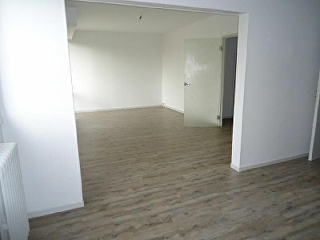 Appartement à louer 2 59.7m2 à Tours vignette-4