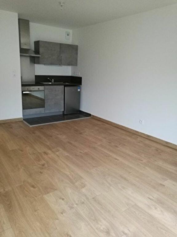 Appartement à louer 2 42.2m2 à La Membrolle-sur-Choisille vignette-1