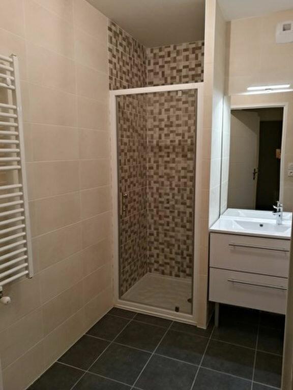 Appartement à louer 2 42.2m2 à La Membrolle-sur-Choisille vignette-7