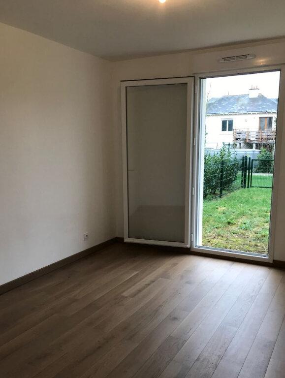 Appartement à louer 2 39.86m2 à Saint-Cyr-sur-Loire vignette-2