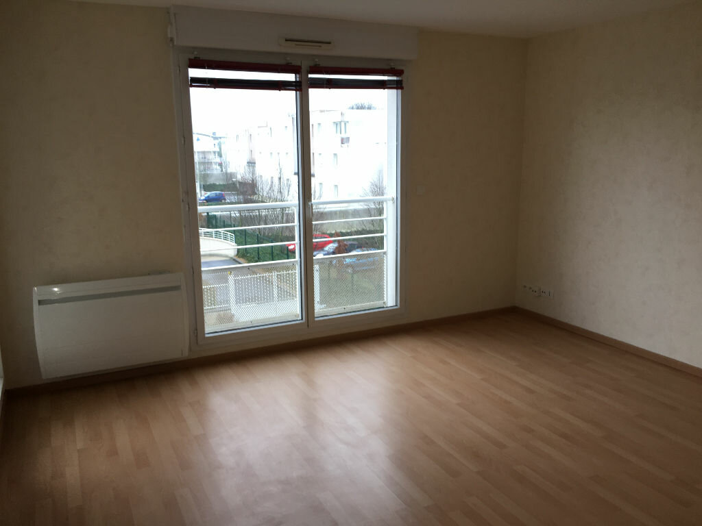 Appartement à louer 3 70.65m2 à Tours vignette-9