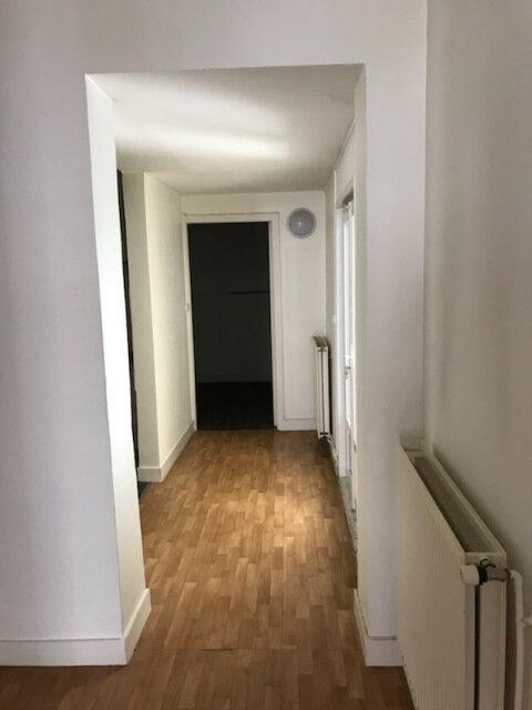 Appartement à louer 2 49.78m2 à Tours vignette-3