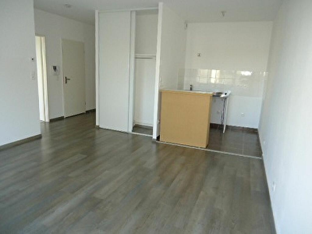 Appartement à louer 2 48.85m2 à Tours vignette-4