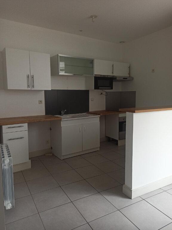 Appartement à louer 4 97.39m2 à Tours vignette-1