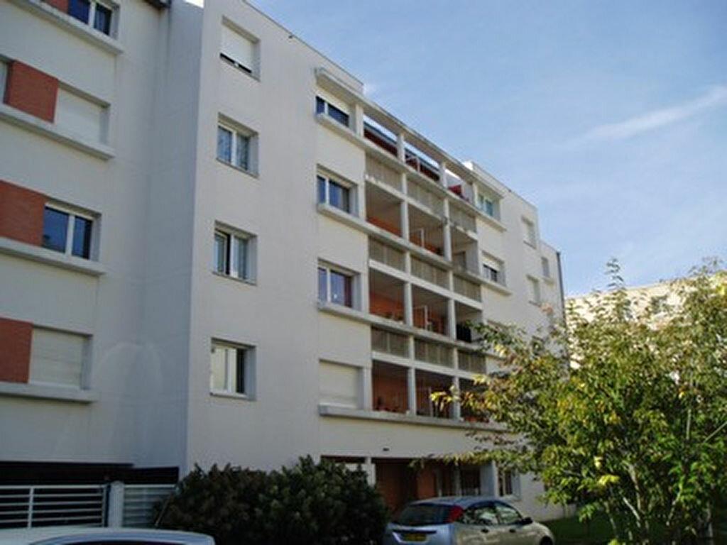 Appartement à louer 2 45.6m2 à Tours vignette-1