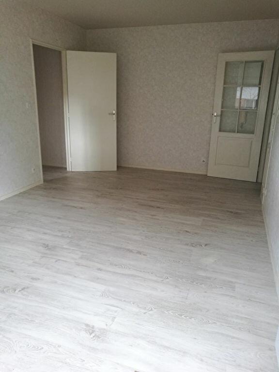 Appartement à louer 2 45.6m2 à Tours vignette-5