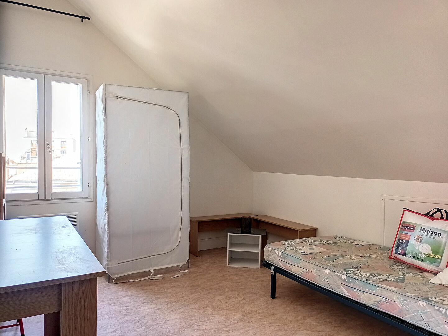 Appartement à louer 1 11.7m2 à Tours vignette-5