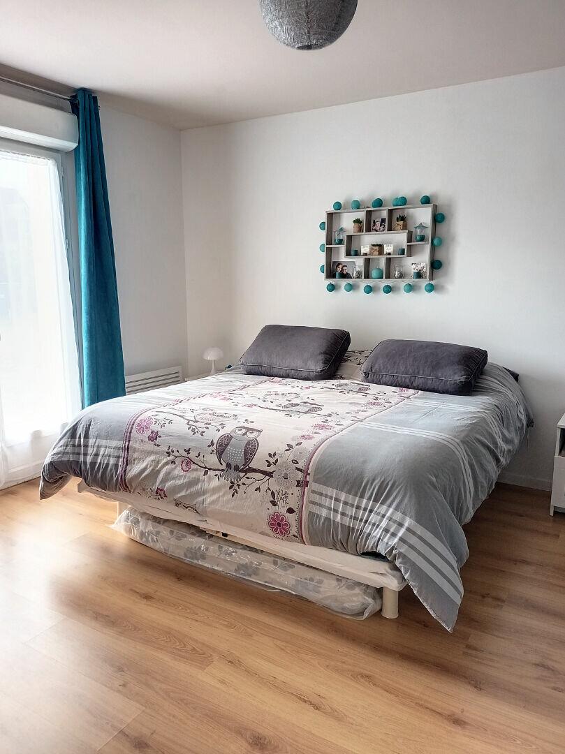 Maison à louer 7 180m2 à Saint-Cyr-sur-Loire vignette-10