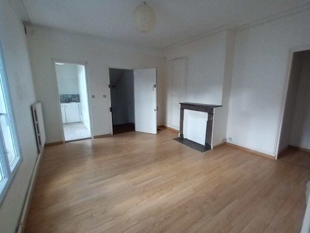 Appartement à louer 3 53.93m2 à Tours vignette-1
