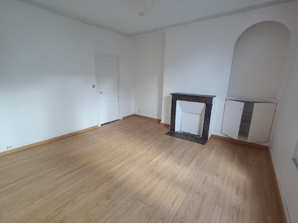 Appartement à louer 3 53.93m2 à Tours vignette-2