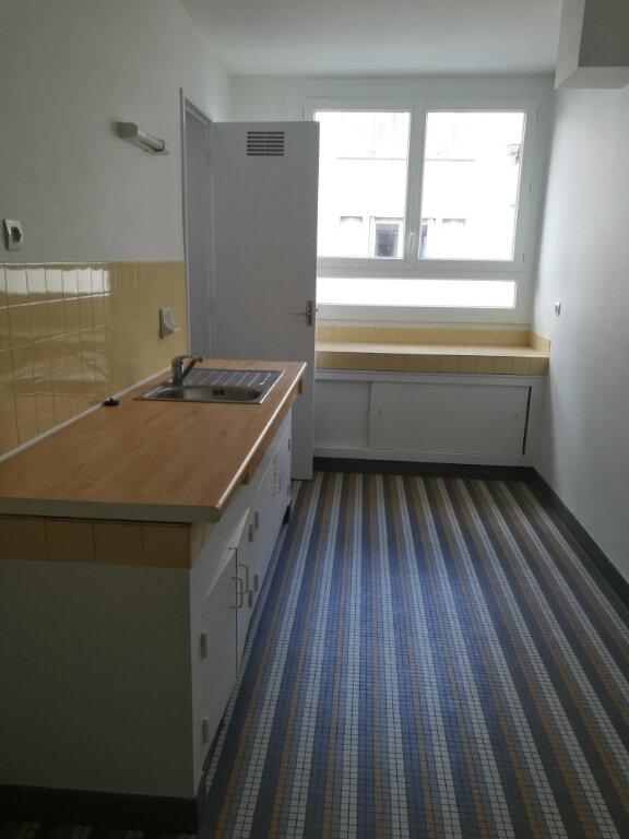 Appartement à louer 2 53.66m2 à Tours vignette-1