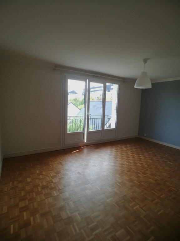 Appartement à louer 4 82.52m2 à Saint-Cyr-sur-Loire vignette-3