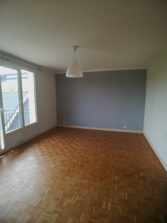 Appartement à louer 4 82.52m2 à Saint-Cyr-sur-Loire vignette-4