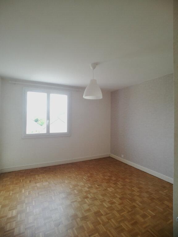 Appartement à louer 4 82.52m2 à Saint-Cyr-sur-Loire vignette-7