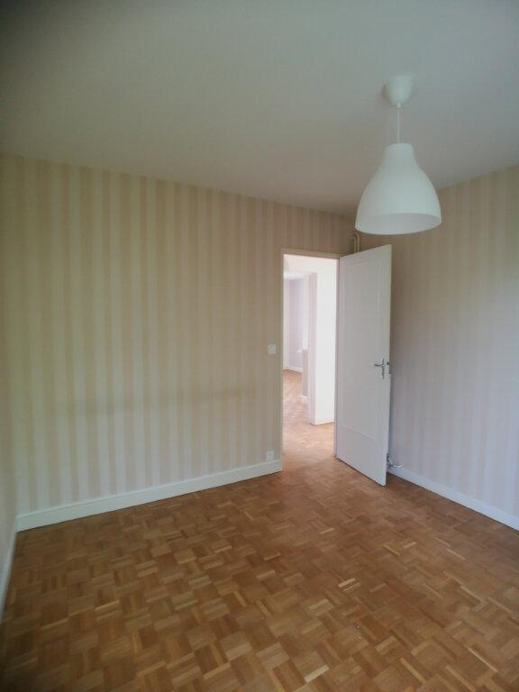 Appartement à louer 4 82.52m2 à Saint-Cyr-sur-Loire vignette-8