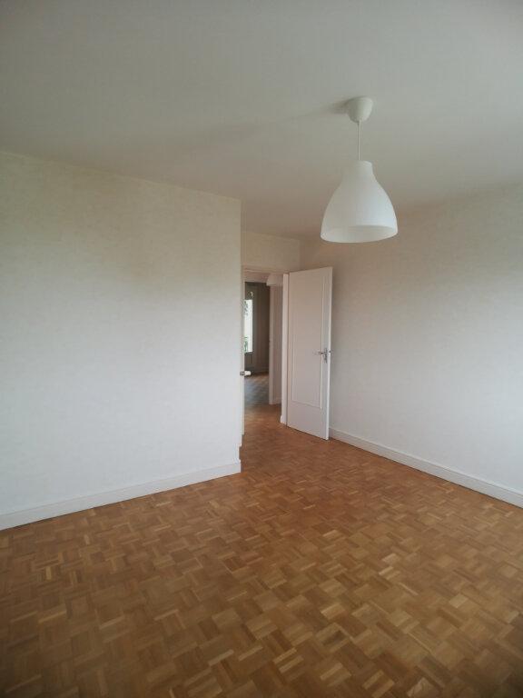 Appartement à louer 4 82.52m2 à Saint-Cyr-sur-Loire vignette-9