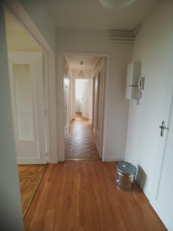Appartement à louer 4 82.52m2 à Saint-Cyr-sur-Loire vignette-10