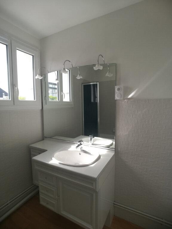 Appartement à louer 4 82.52m2 à Saint-Cyr-sur-Loire vignette-11
