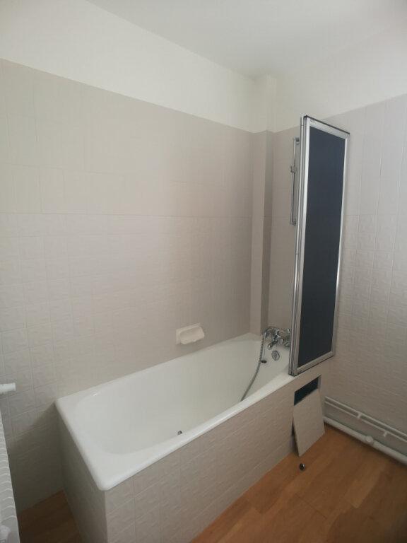 Appartement à louer 4 82.52m2 à Saint-Cyr-sur-Loire vignette-12