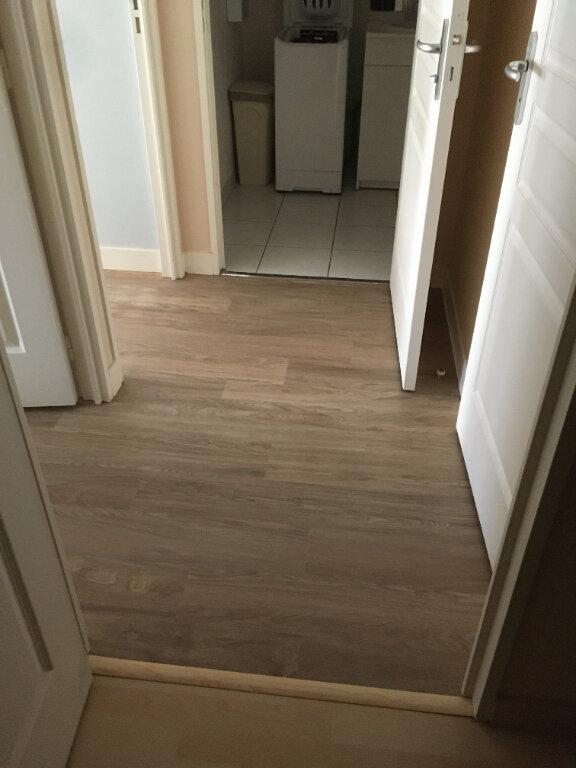 Appartement à louer 3 63.5m2 à Tours vignette-4