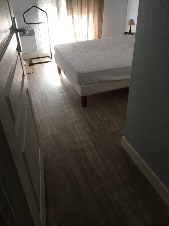 Appartement à louer 3 63.5m2 à Tours vignette-6